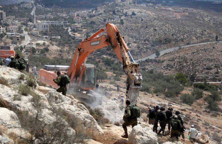 الاحتلال يجرف اراض زراعية بمحافظة بيت لحم