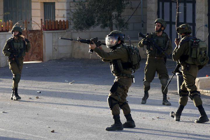 """الاحتلال يهاجم وقفة تضامنية مع الأسرى قرب سجن """"عوفر"""""""
