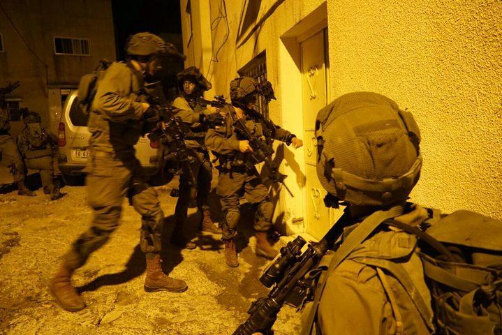قوات الاحتلال تعتقل مقدسي بعد التحقيق معه