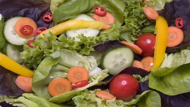 خطورة تناول الخضروات النيئة على الصحة