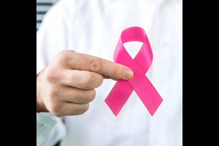علامات تحذيرية تدل على الإصابة بمرض سرطان الثدي