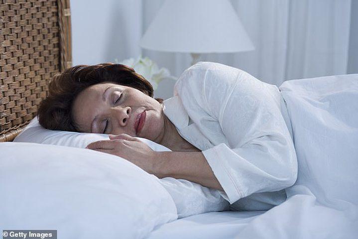 النوم لأكثر من 9 ساعات قد يسبب الخرف