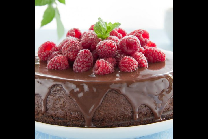 كيك الشوكولاتة السهل بدون طحين