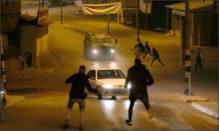 مستوطنون يهاجمون مركبات المواطنين بين نابلس وقلقيلية