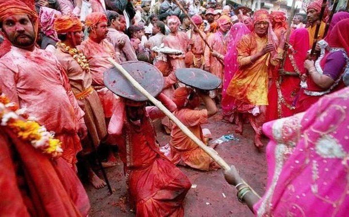 """""""مهرجان العصي"""" يخلف أكثر من 100 إصابة بالهند"""