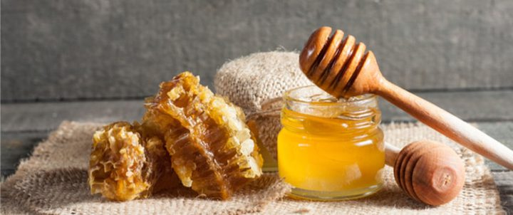 تحذير.. العسل يسبب التسمم للأطفال الرضع