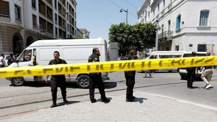 مقتل فرنسي وإصابة عسكري تونسي بعملية طعن في تونس