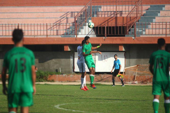 نادي الصداقة ونادي غزة الرياضي خلال مباراة الدوري الممتاز