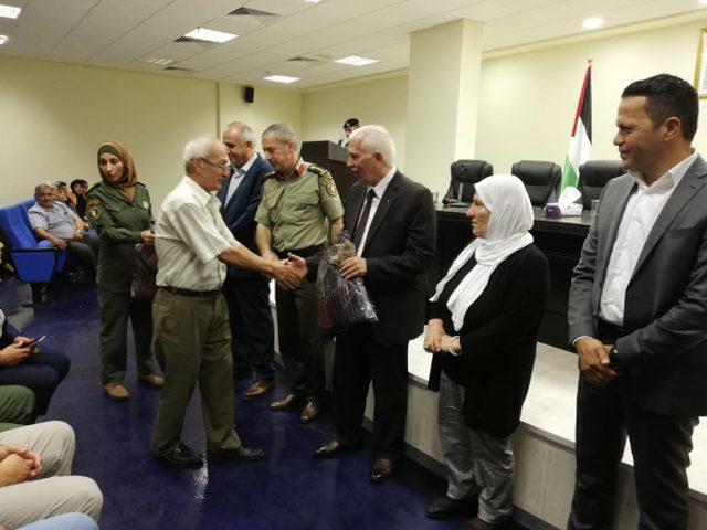 الأمن الوطني وأمان الخيرية يكرمون المتقاعدين العسكريين في بيت لحم