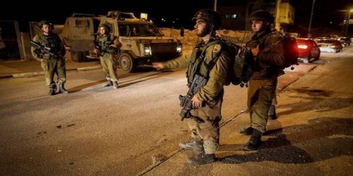 الاحتلال يصيب مواطنين في بيت أمر