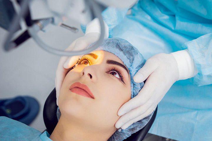 صينية تحرم من إغلاق عينيها بعد فشل عملية تجميل جفونها !