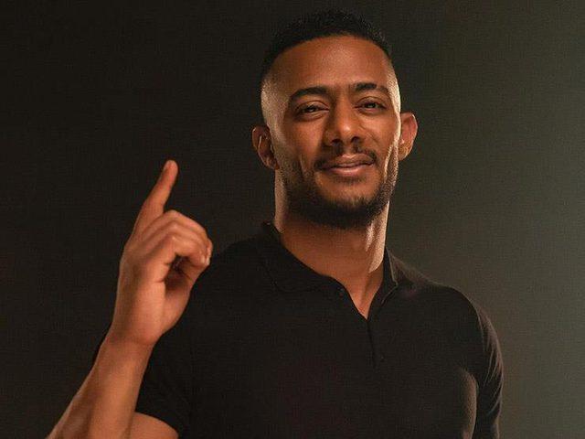 محمد رمضان يتعرض لأزمة بعد قيادته طائرة مدنية