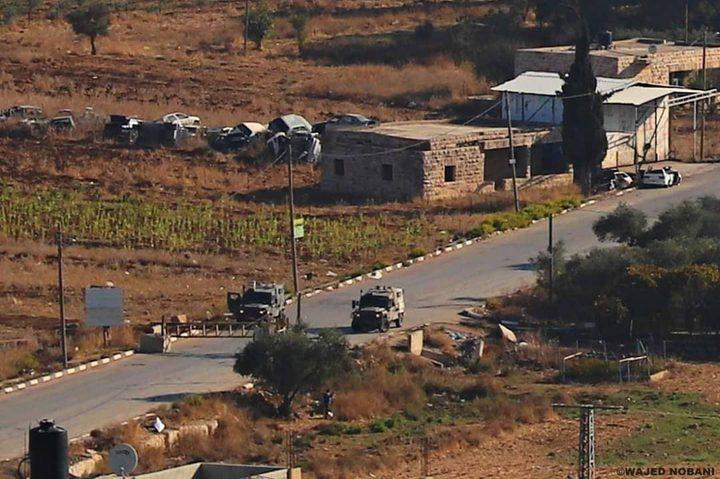 الاحتلال يغلق الطريق بين زعترة وترمسعيا