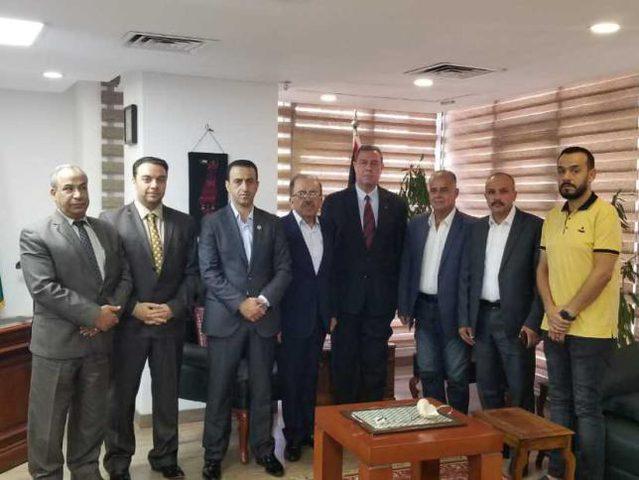 السفير دياب اللوح يستقبل وفدا من اتحاد المعلمين