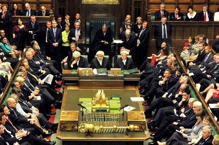 """""""العموم"""": يقرّ تعديلاً يلزم رئيس الوزراء طلب إرجاء موعد """"بريكست"""""""