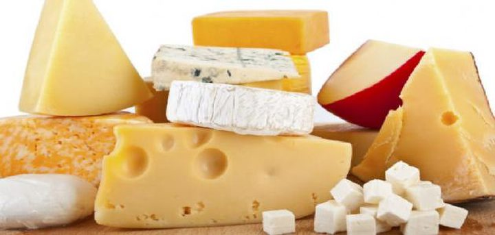 تحذير.. الجبن المصنوع من حليب البقر يزيد فرص الإصابة بسرطان الثدي