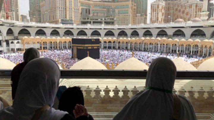 السعودية تدرس قرارا بشأن العمرة