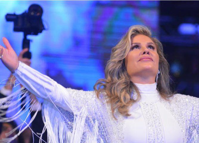 بسبب المظاهرات في لبنان.. نيكول سابا تلغي حفلاً غنائياً