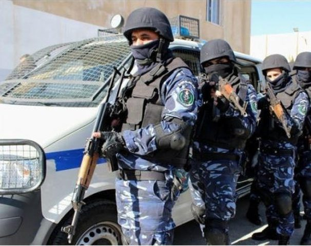الشرطة تلقي القبض على 31 مطلوباً للعدالة في نابلس