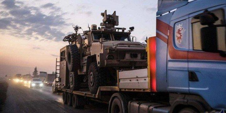 آليات الجيش الأميركي تغادر أكبر قواعدها في سوريا