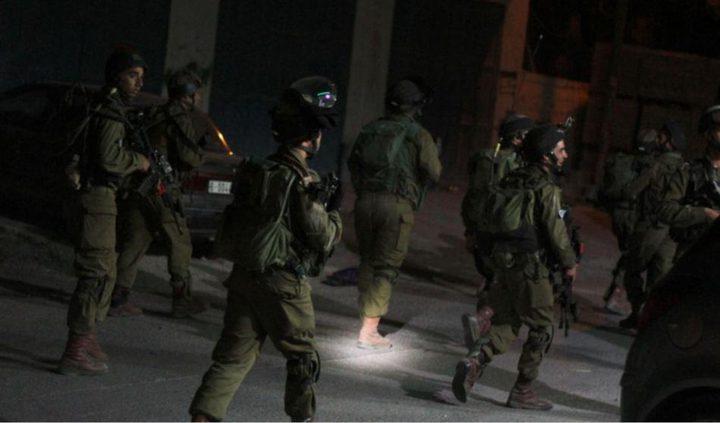 قوات الاحتلال تعتقل (7) مواطنين بالضفة
