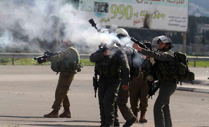 اصابات بالاختناق في مواجهات مع الاحتلال في بيت أمر