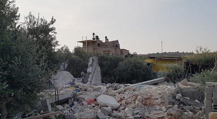 الاحتلال يهدم منزلا في الطيبة