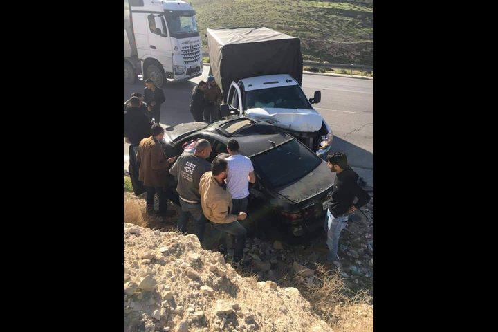 3 إصابات جراء حادث سير على طريق واد النار