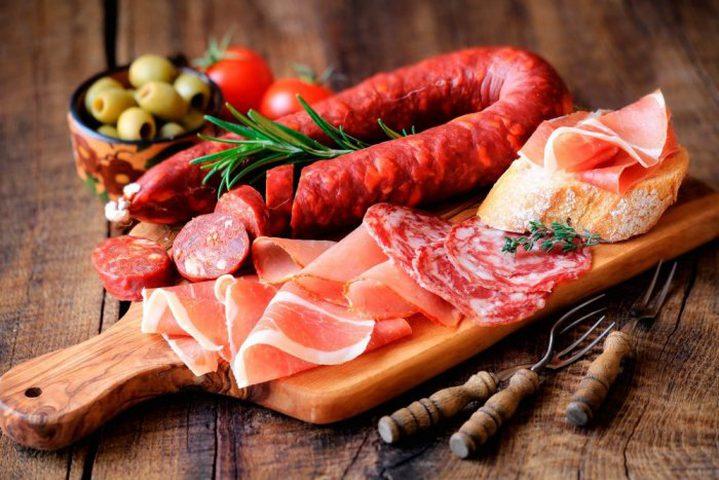 دراسة: الأطعمة الغنية بالدهون تزيد خطر الزهايمر