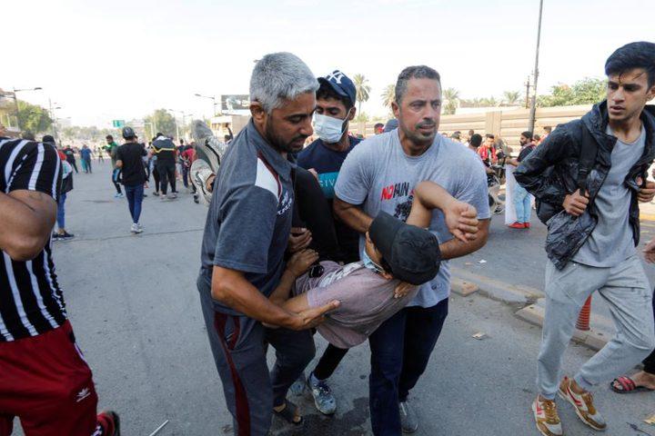 يوم دام جديد في العراق سقط خلاله ما لا يقل عن أربعين متظاهرا وأصيب نحو ألفين آخرين، مع تجدد الاحتجاجات المطالبة بتغيير الطبقة الحاكمة في البلاد منذ 16 عاما.