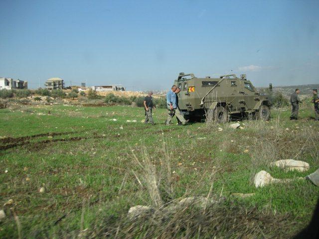 الاحتلال يمنع المزارعين من الوصول إلى أراضيهم شرق سلفيت