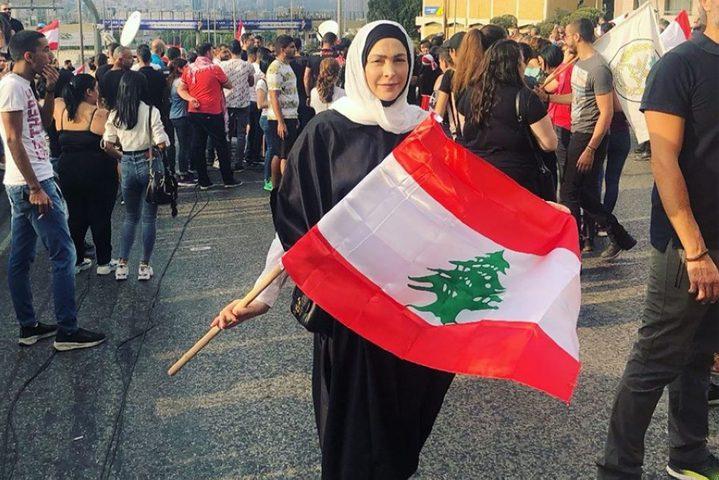لبنان....فنانون يدعمون الثورة الشعبية