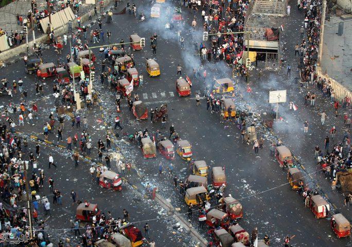 13 قتيل و865 إصابة في إطلاق نار على محتجين في كربلاء