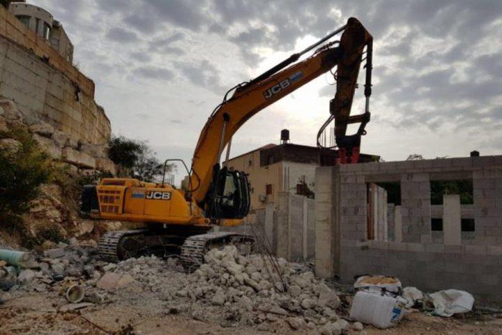 الاحتلال يهدم منزلاً جنوب طولكرم
