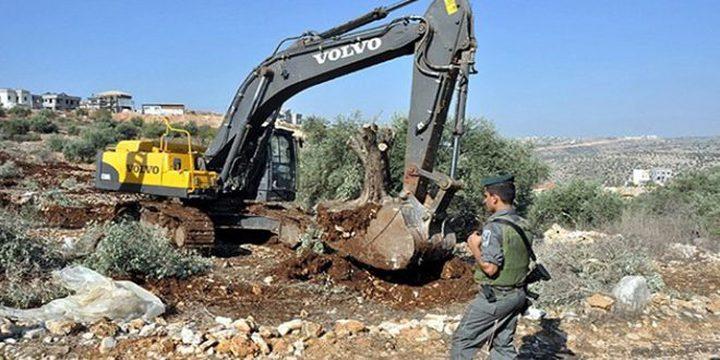 الاحتلال يجرف أراضي في العيسوية