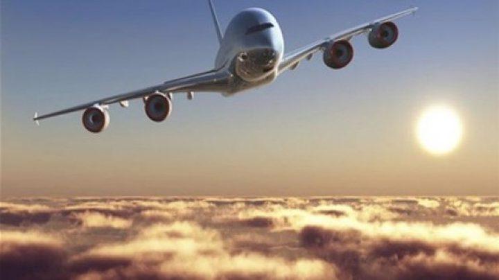 هبوط اضطراري لطائرة بعدما سقط أحد إطاراتها