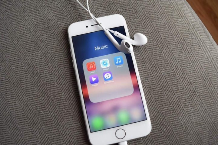"""""""التطبيقات الخبيثة"""" التي تستنزف جيوب المستخدمين لهواتف آيفون"""