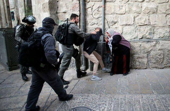 الاحتلال يعتقل 7 شبان من شارع الواد بالقدس المحتلة