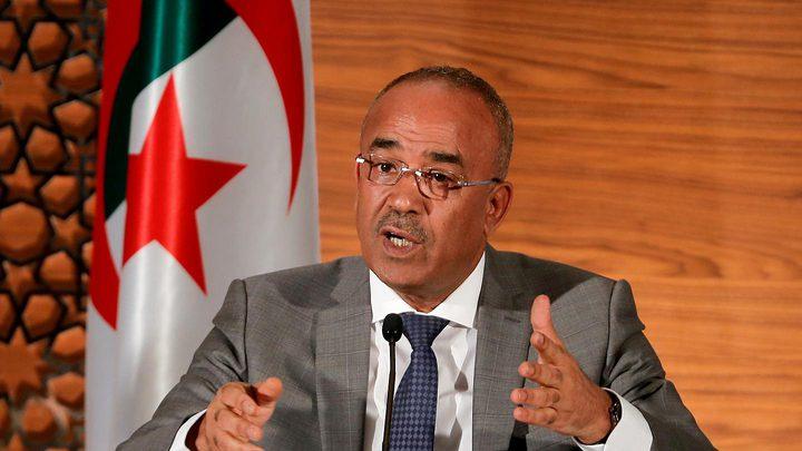 خمسة مرشحين يتنافسون على خوض الانتخابات الرئاسية في الجزائر