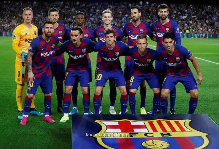 برشلونة يدرس تدعيم دفاعاته بلاعب برازيلي