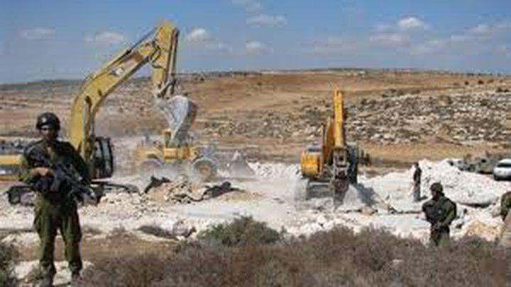 الاحتلال يشق طريق استيطانية جديدة شمال الخليل