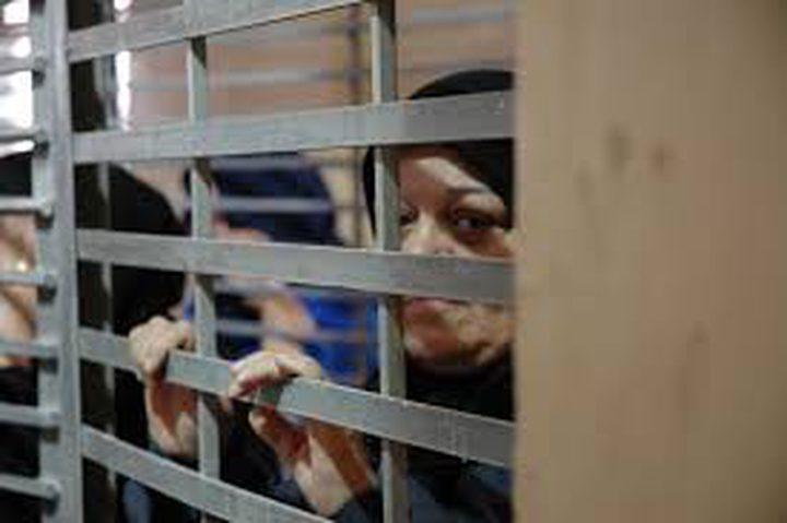 39 أسيرة يقبعن بسجن الدامون