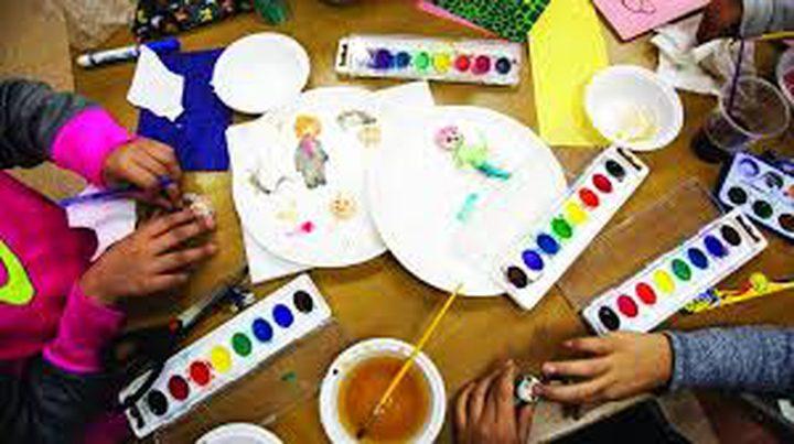 وعد شويكي فتاة تبدع في رسومات الأطفال