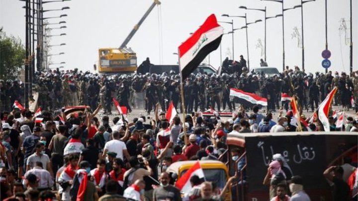 العراق.. متظاهر يراوغ قناصا ويفلت من الموت بأعجوبة
