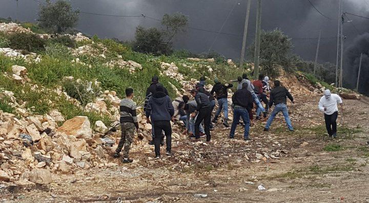 إصابات بالاختناق خلال اقتحام الاحتلال قرية كفر نعمة