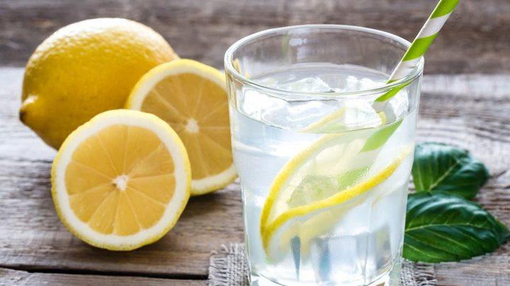 فوائد تناول ماء الليمون قبل الإفطار