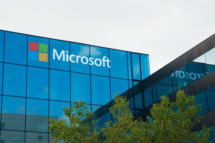 مايكروسوفت تقدم تقنية التخزين على الزجاج