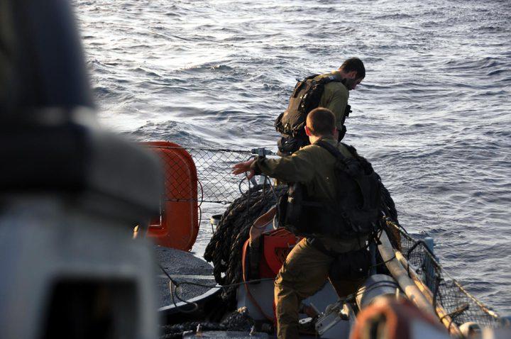 الاحتلال يعتقل صيادين قبالة شاطئ رفح