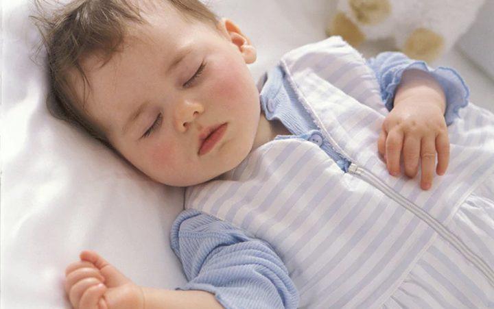 خطوات لحماية طفلك من انخفاض درجة الحرارة في الشتاء