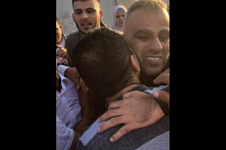 بعد 14 عاماً من الاعتقال.. الأسير نصار يتنفس الحرية